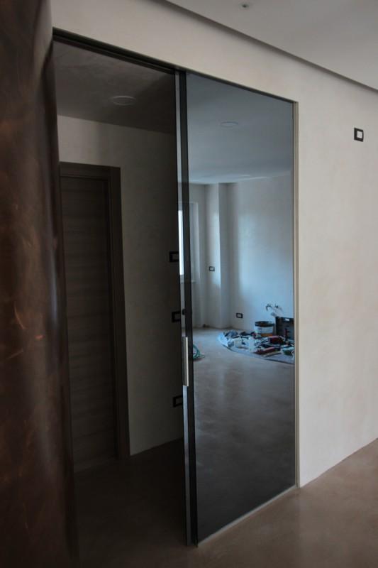 Porta scorrevole a specchio | Artigiano del Vetro | La ...